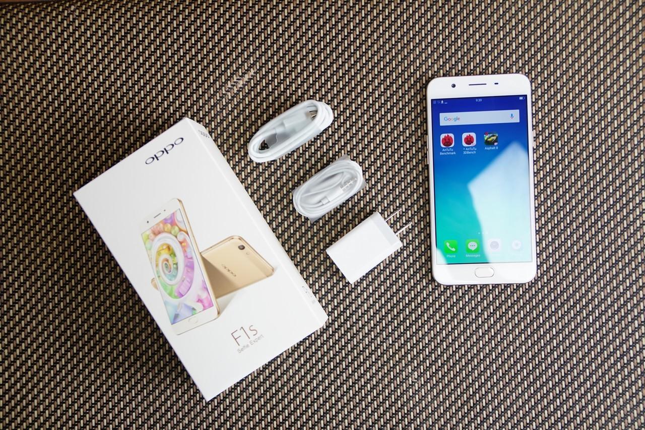 OPPO официально представила модифицированный селфи-смартфон F1s