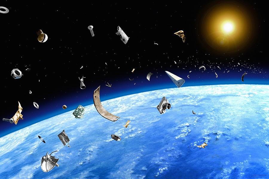 Немалый кусок космического мусора пролетит рядом сМКС