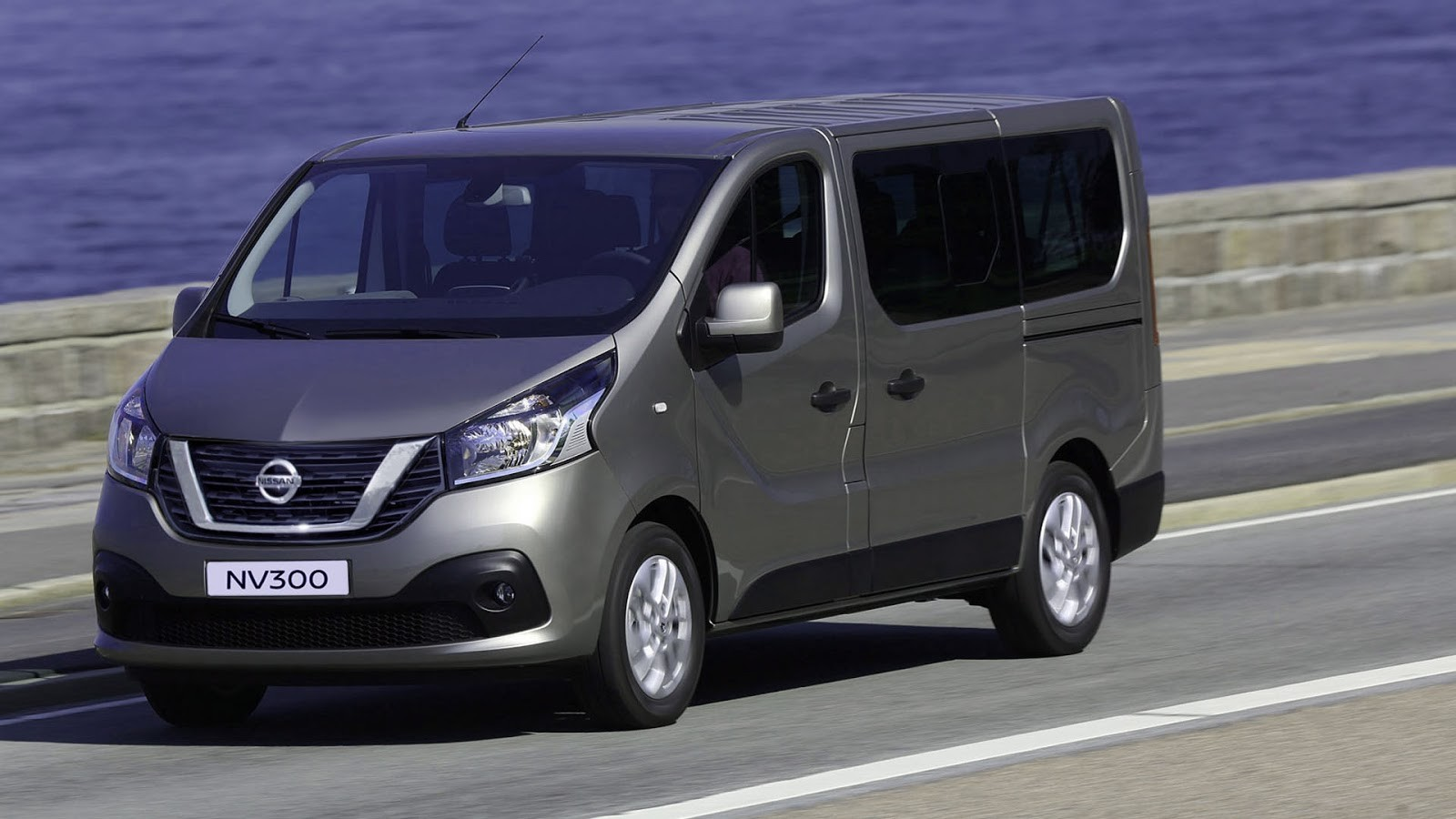 Названы официальные цены нового коммерческого автомобиля Ниссан NV300