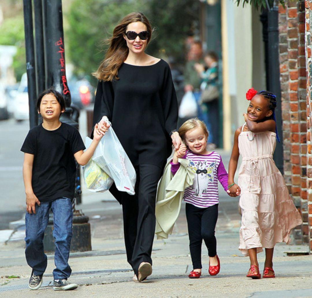 Таблоиды назвали имя нового папы детей Анджелины Джоли
