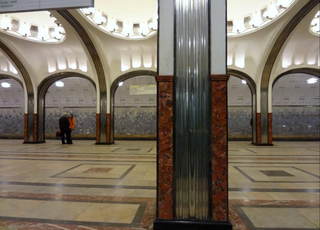 Станция метро «Проспект Большевиков» закрыта