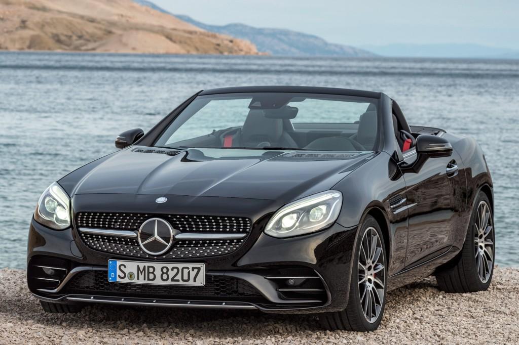 Benz в наступающем году представит вРФ обновленные AMGGT