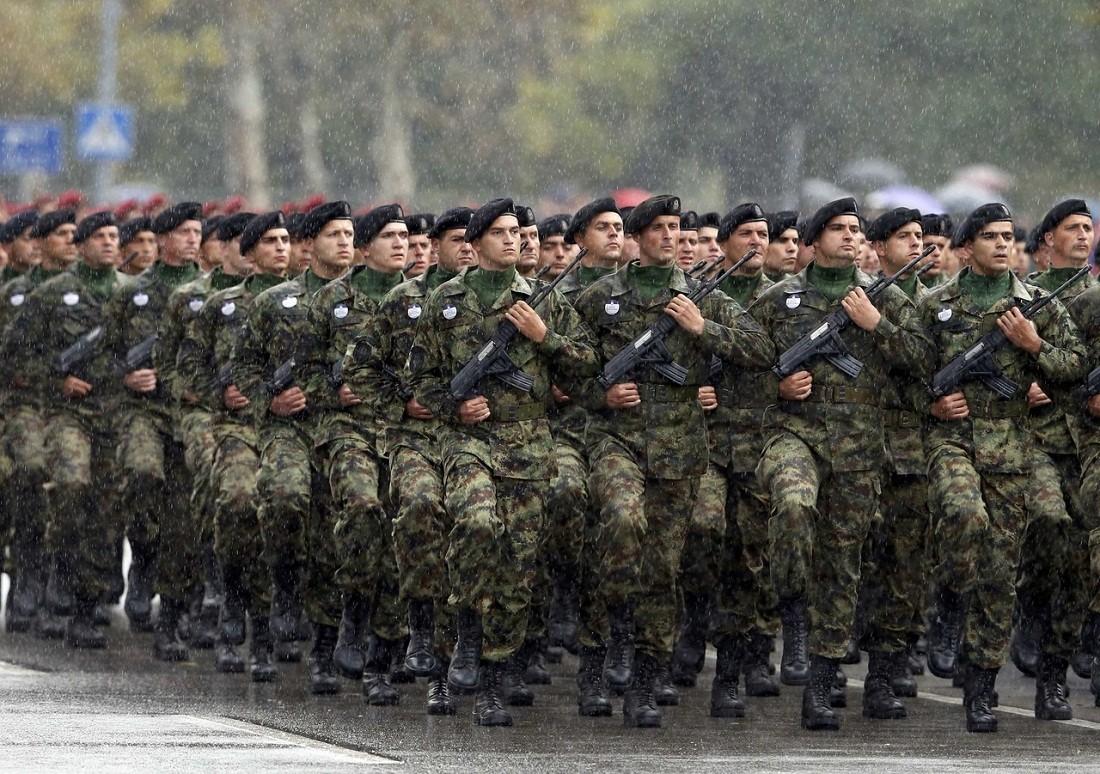 ВСербии военные впервые протестовали против низких зарплат иусловий труда