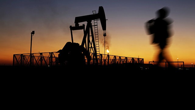 Фьючерсы нанефть марки Brent установились ниже 48долл. забаррель