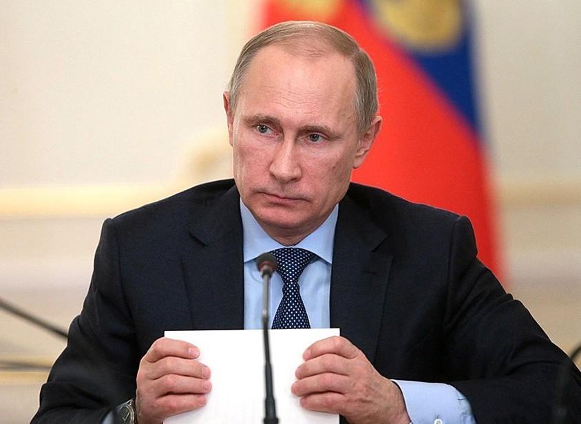 Путин вручил врачу изОмска грант на млн руб.