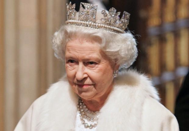 Британская королева подписала закон ослежке загражданами