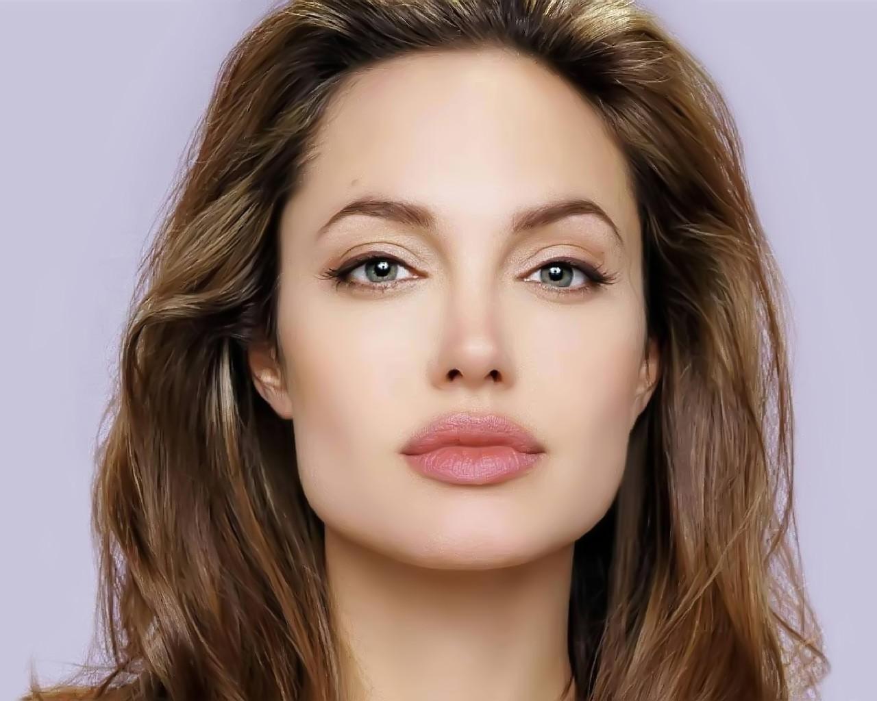 Джоли не тревожится оздоровье иснова стремительно худеет,
