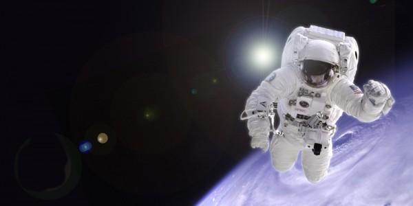 Полет в космос ненадолго делает выше ростом и провоцирует проблемы с позвоночником