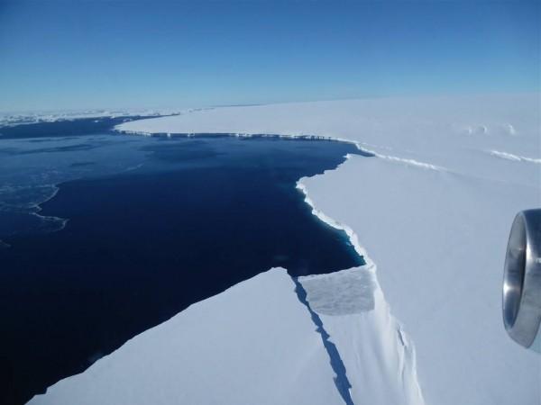 NASA: В Антарктиде продолжают таять ледники
