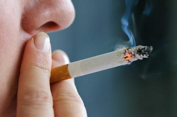 Ученые: Курильщики, инфицированные ВИЧ, сокращают продолжительность жизни пагубной привычкой