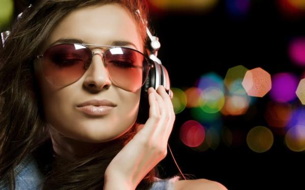Ученые выяснили, почему песни «застревают» в голове