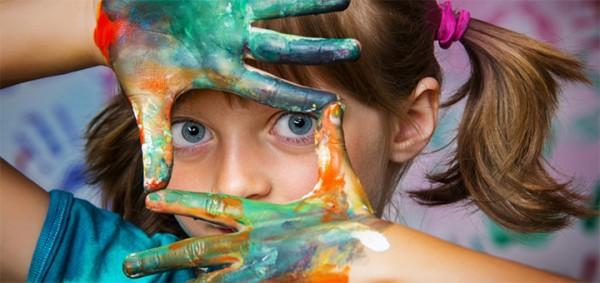 Ученые объяснили, почему творчество берет начало в подростковом возрасте