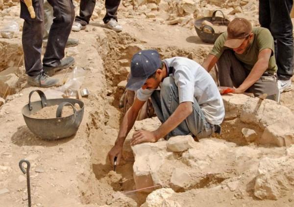 В Казахстане археологи нашли останки древнего человека