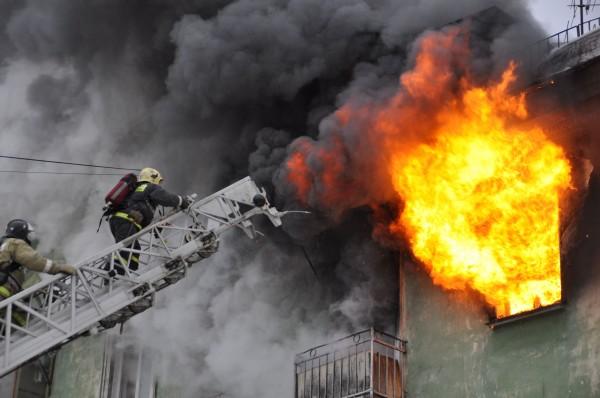 В Москве загорелось Президентское военное училище