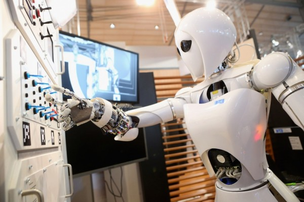 РКК «Энергия» создаст робота для помощи космонавтам МКС