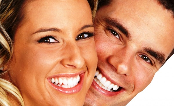 Ученые определили, что клыки повышают сексуальную привлекательность