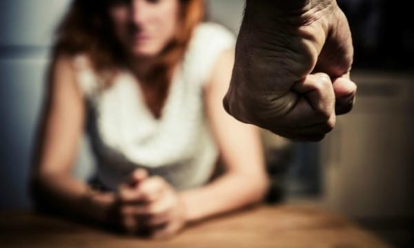 Ученые доказали, что жестокое обращение с женщинами вызывает болезни сердца