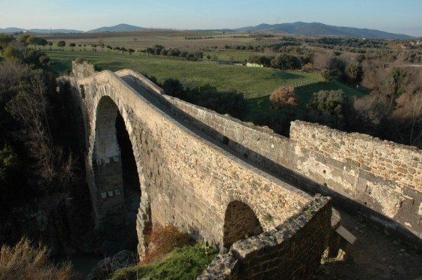 Археологи нашли захоронение богатого аристократа в Вульчи