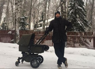 Владимир Кристовский впервые показал новорождённого сына