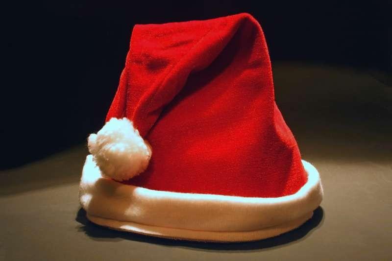 Барнаулец признался, что похитил деньги, чтобы приобрести костюм Деда Мороза
