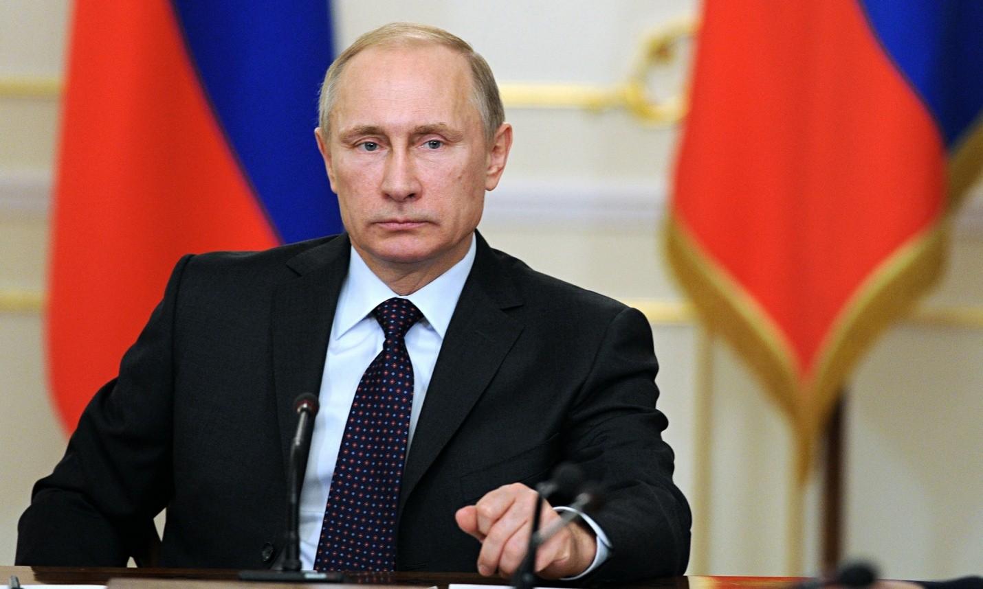 Япония желает подарить Путину еще одну собаку породы акита-ину