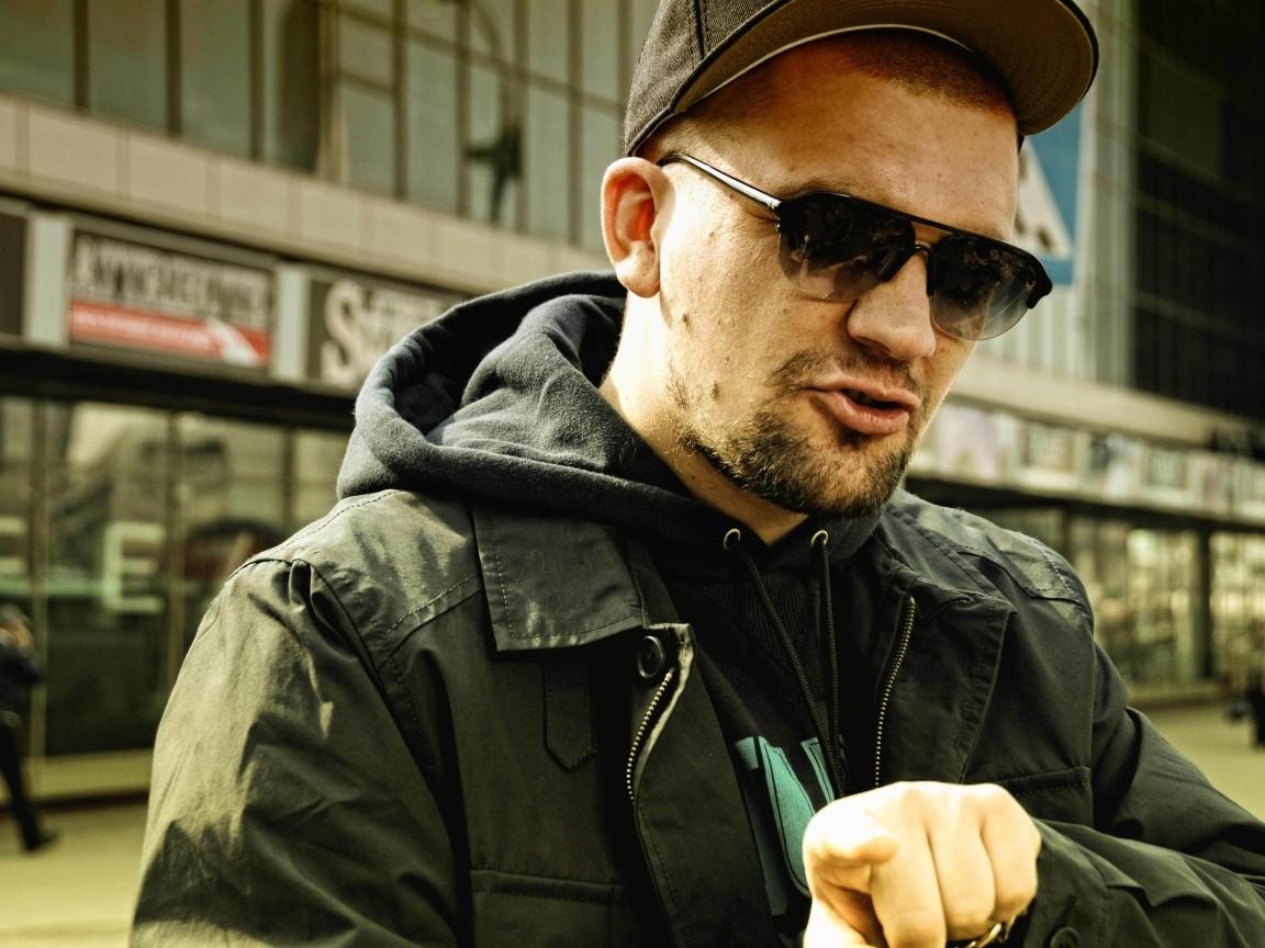 Рэпер Баста пообещал присутствовать насуде поиску Децла вРостове