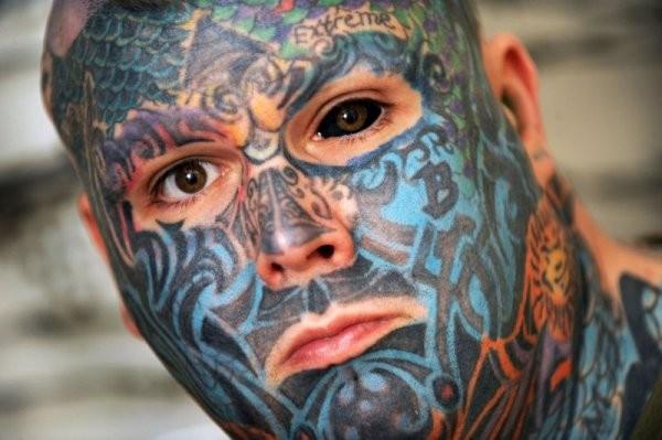 Натерритории Англии проживает «человек-ящерица»