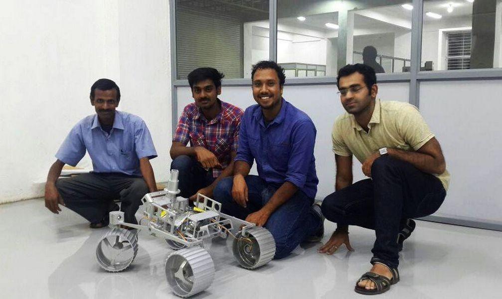 Индийская компания намерена отправить первую личную экспедицию наЛуну