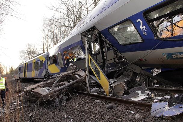 ВГермании диспетчер получил 3,5 года тюрьмы застолкновение 2-х поездов