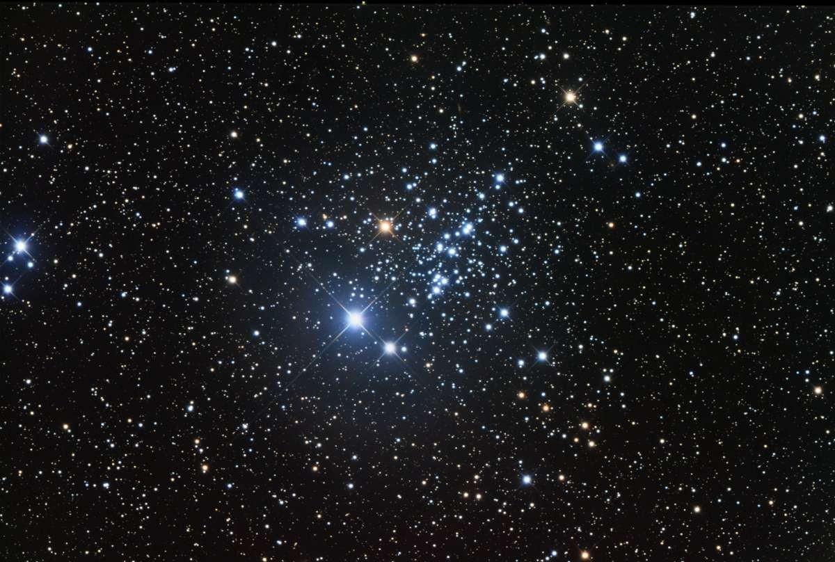 Астрономы составили список 227 звезд