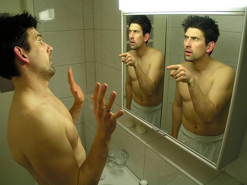 Ученые рассказали, что симптомы заболеваний можно увидеть взеркале