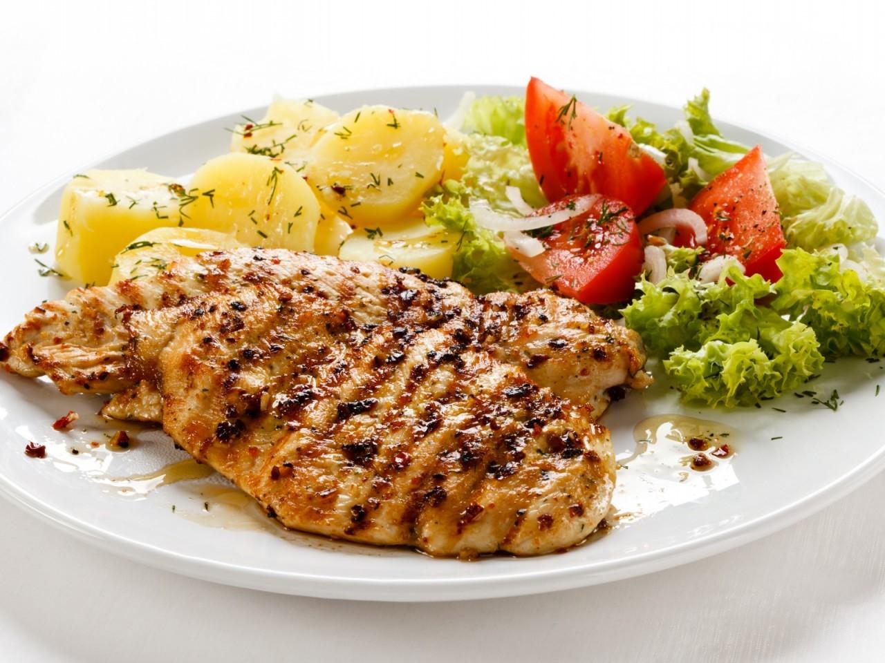 Домашняя пища полезнее для здоровья— Ученые