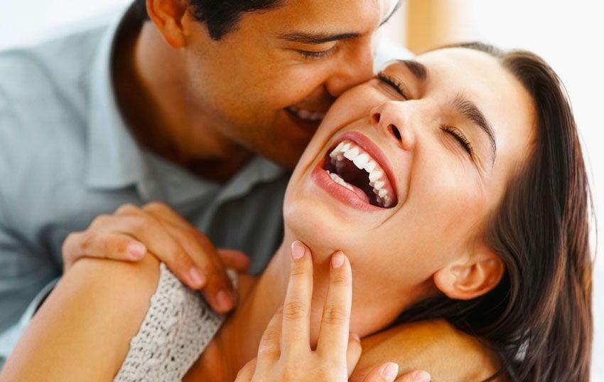 Ученые установили как женщины и мужчины выбирают себе партнеров