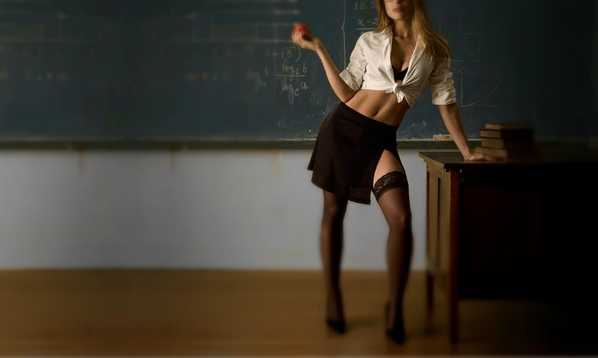 Видно трусы на уроке фото 243-522