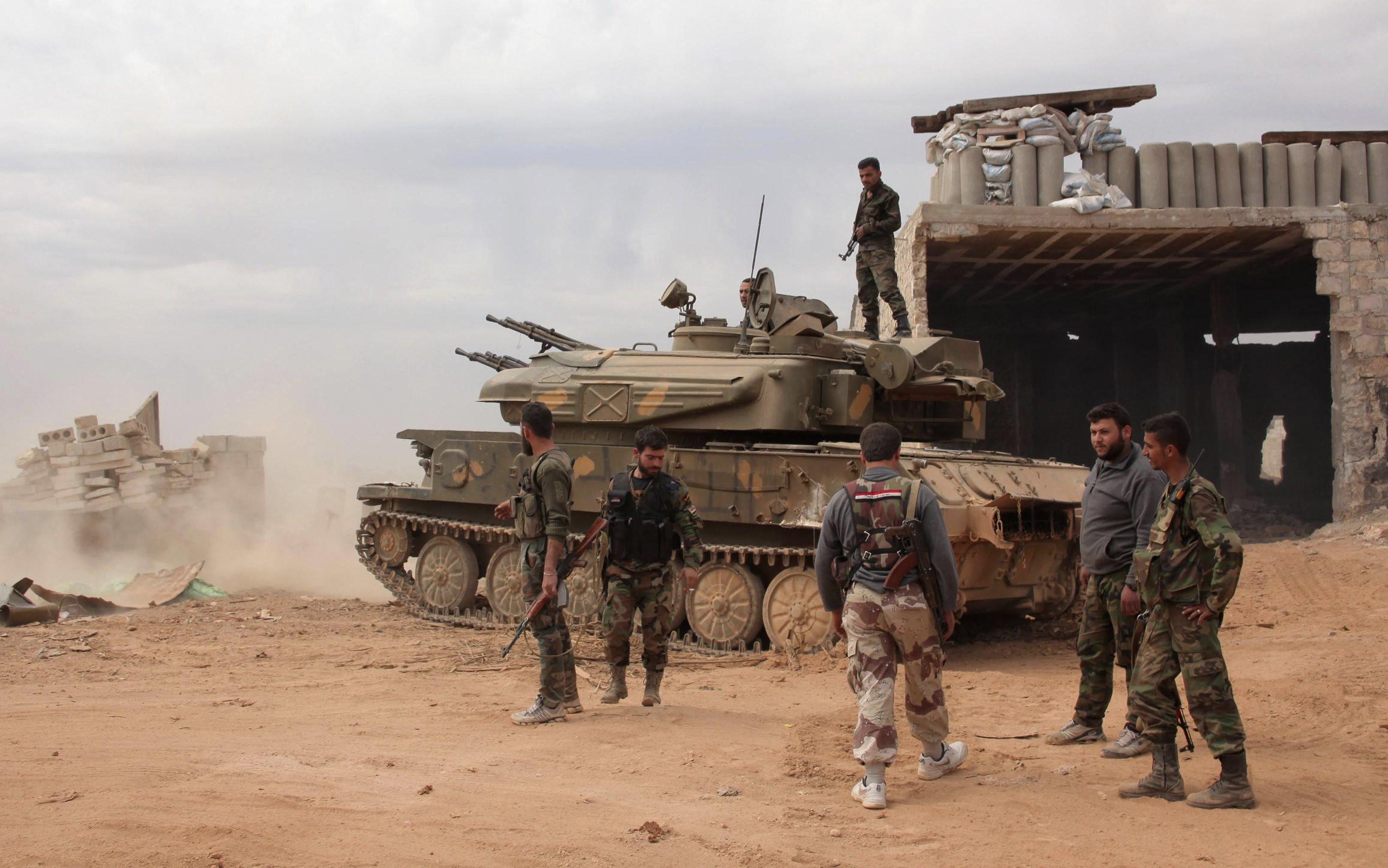 Граждане эвакуированы, Армия покинула город иведет бои наокраинах— Пальмира