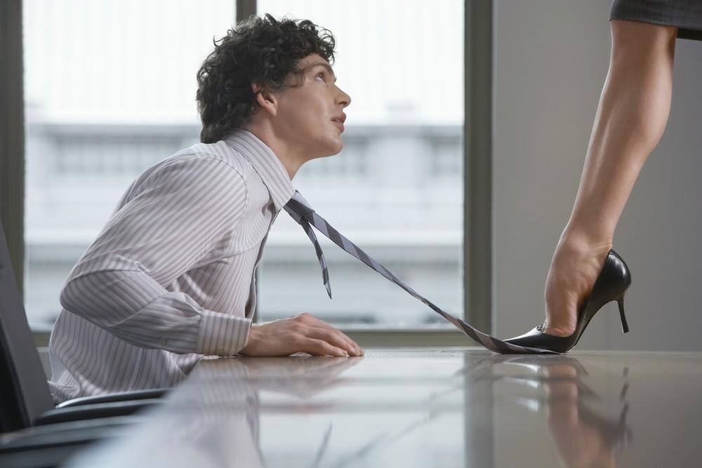 Нахарактер мужчины влияют окружающие его женщины