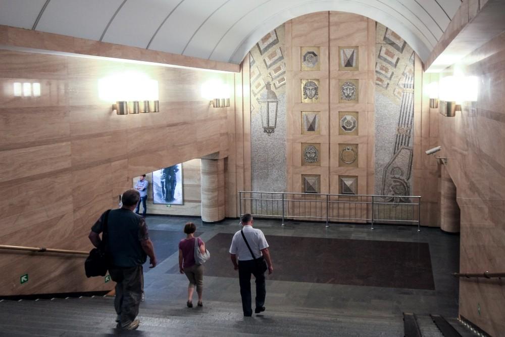 Настанции метро «Спасская» скончался  пассажир