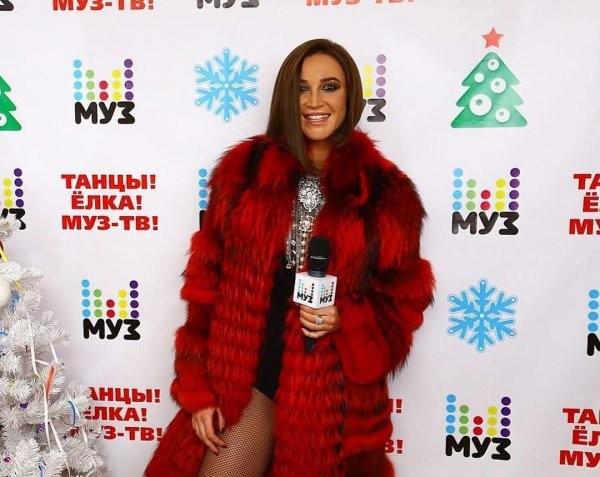 Бузова надела компрометирующий наряд на сьёмки новогоднего концерта