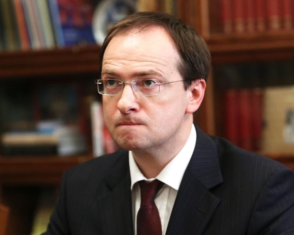 Государственная дума отказалась слушать доклад Мединского из-за «несвежести» информации