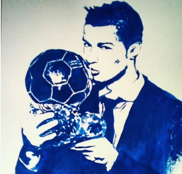 Русская художница нарисовала Роналду с«Золотым мячом» грудью
