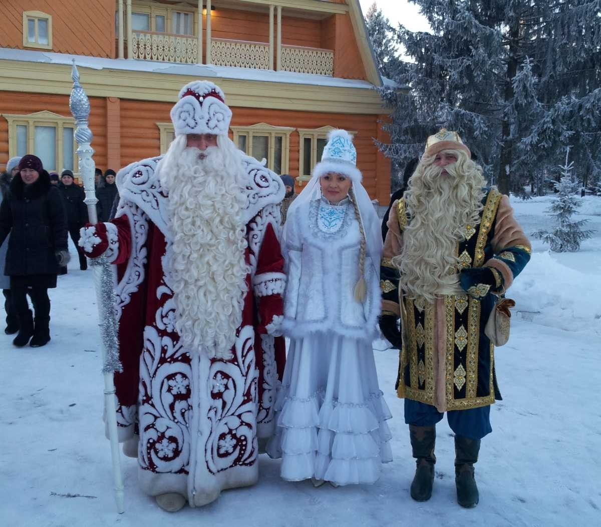 НаКремлевской набережной вКазани открывается чудный городок
