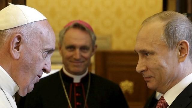 Папу Франциска с80-летием поздравил президентРФ