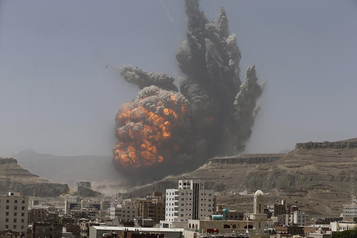 Взрыв вЙемене: погибли десятки военных