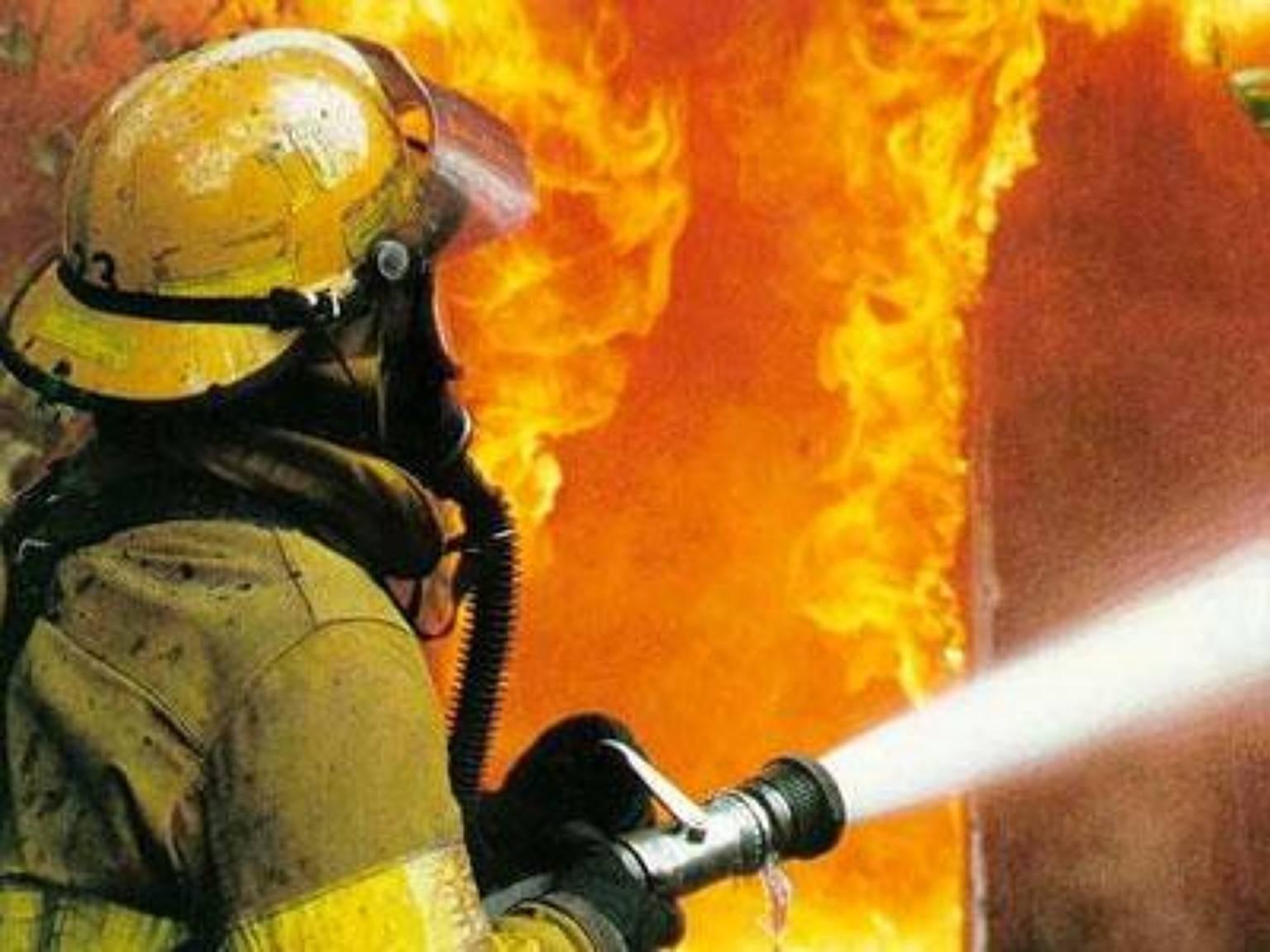 Изпожара наНовочеркасском после 2-х взрывов спасли ребёнка