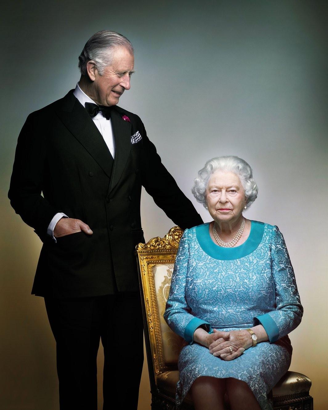 Букингемский дворец обнародовал фото ЕлизаветыII кее90-летию