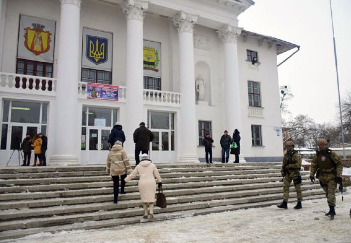 ВДонецкой области наизбирательном участке подрались корреспонденты