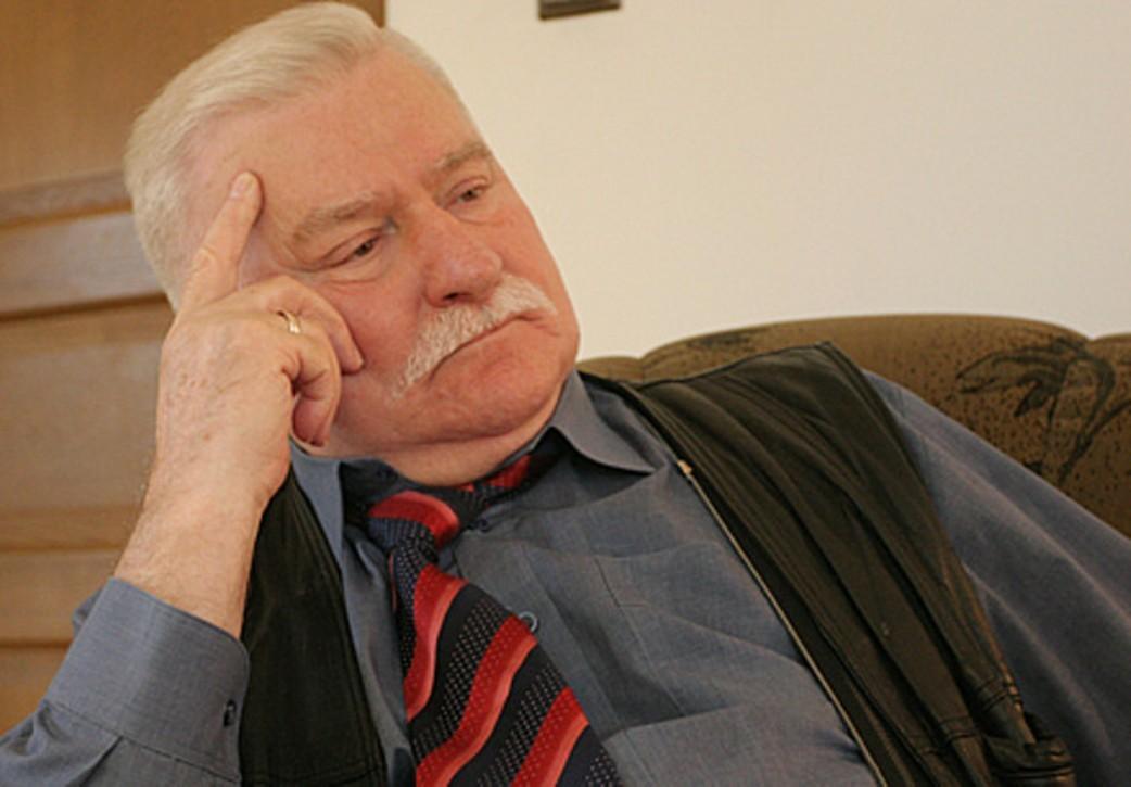 Экс-президент Польши призвал Анджея Дуду уйти вотставку