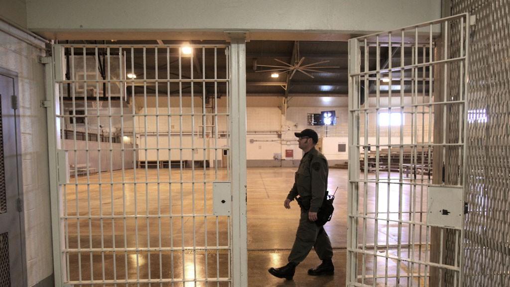 Британский суд приговорил 101-летнего педофила к13 годам тюрьмы
