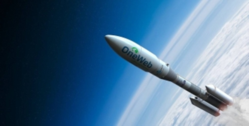 Компания SoftBank хочет инвестировать $1 млрд вспутниковый стартап OneWeb