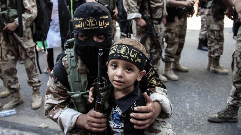 Исламские террористы экстремистской группировки хотят провести кровавые теракты вСоединенном Королевстве в 2017г